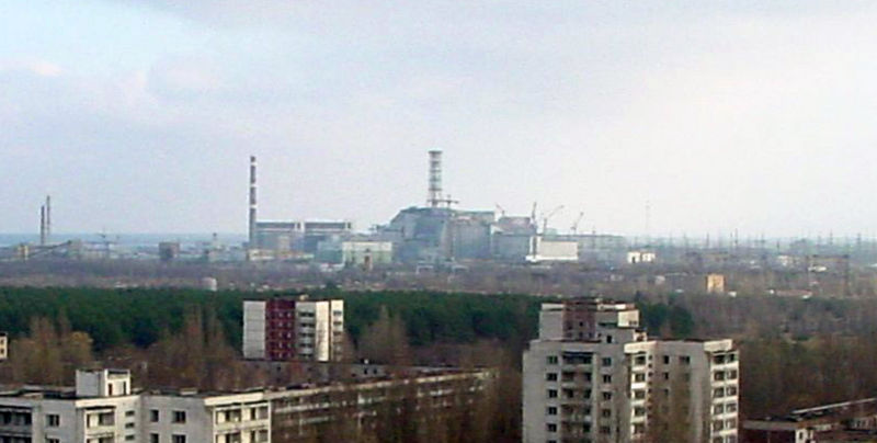 800px-View_of_Chernobyl_taken_from_Pripyat_zoomed