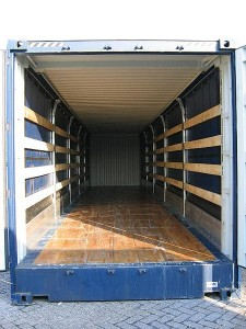 450px-Inside_of_a_container_3